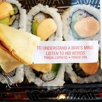 รูปภาพถ่ายที่ Food Court โดย Matt Spudart M. เมื่อ 10/27/2011