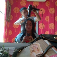 Photo taken at La Diva Salon by Vira A. on 8/18/2012