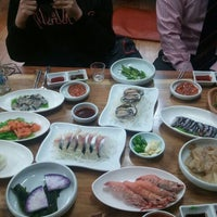 Photo taken at 이어도횟집 by Hyeonjin K. on 1/26/2012