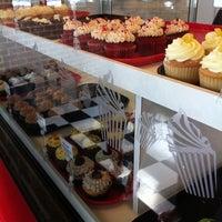 Photo taken at Rockin' Cupcakes by Nakita on 9/14/2011