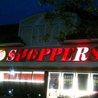 Photo prise au Shoppers Food Warehouse par Tonia S. le4/24/2011