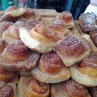 Foto scattata a Tartine Bakery da Will K. il 1/28/2012