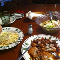 Photo taken at Olive Garden by Shafi A. on 2/29/2012