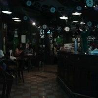 Foto tomada en Dubliners por Omar R. el 3/18/2012