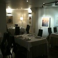 Photo taken at Restaurante El Vinagrero by J Carlos G. on 9/10/2011