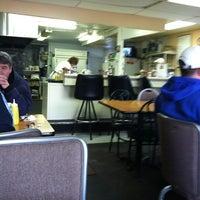 Photo taken at Richie's Chicken & Hamburgers by Natalie V. on 3/6/2011