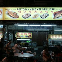 Photo taken at Meng Kee Grill Fish by JO 王. on 1/2/2012