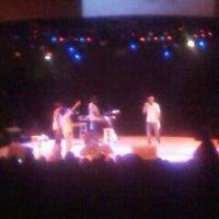 Photo prise au One Arena Place par Michelle T. le6/17/2012