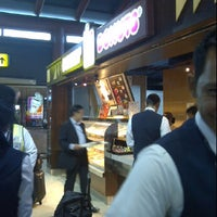 Photo taken at Dunkin' Donuts by Trai T. on 10/27/2011