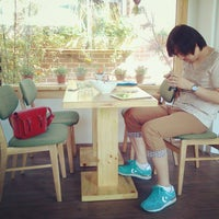 Photo taken at coffee palette by 지혜 하. on 5/22/2012