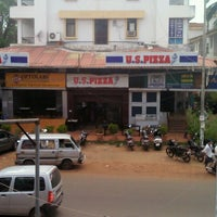 Photo taken at U S Pizza by Mayuresh O. on 6/8/2012
