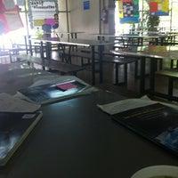 Photo taken at Senior Cafeteria l โรงอาหารมัธยมปลาย by pinto 👱🏻♀️ on 7/17/2012