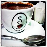 Foto tirada no(a) Sá Rosa Café por Du M. em 7/10/2011
