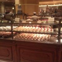Das Foto wurde bei The Buffet at Bellagio von Eric Z. am 10/3/2011 aufgenommen