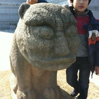 Photo taken at 단국대학교 석주선기념박물관 by Guppy K. on 3/1/2012