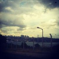 Das Foto wurde bei Kuzguncuk Sahili von Ali T. am 8/3/2012 aufgenommen