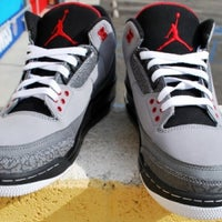 Photo taken at Foot Locker by Daniel C. on 11/16/2011