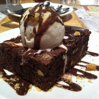 Das Foto wurde bei Social House Restaurant von Shaymaa am 12/23/2011 aufgenommen