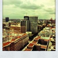 Das Foto wurde bei Journalisten-Club von Caterina J. am 5/31/2012 aufgenommen