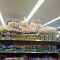 Foto tirada no(a) Walgreens por Joe Vito M. em 2/20/2011