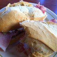 Foto tomada en Lorena Café Fuengirola por Eric N. el 9/10/2011