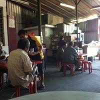 Photo taken at 33 Cafe Shop (ah Mun) by Dennis T. on 2/25/2011