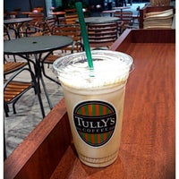 Photo taken at Tully's Coffee by miyuki on 9/29/2011