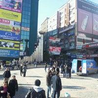 2/4/2012 tarihinde Sinan O.ziyaretçi tarafından Şirinevler Meydanı'de çekilen fotoğraf
