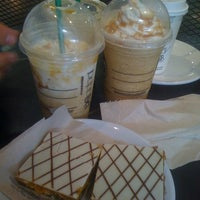 Photo taken at Starbucks by Yoshimi  T. on 3/29/2012