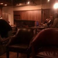 11/15/2011 tarihinde Jay C.ziyaretçi tarafından Starbucks'de çekilen fotoğraf