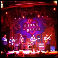 Photo taken at House of Blues Restaurant & Bar by Melinda S. on 4/29/2012
