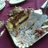 Photo taken at Restaurante Pizzaria e Chopperia Makey by Katia F. on 8/10/2012