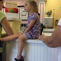 Photo taken at Honey Hut Ice Cream Shoppe by Melanie S. on 6/18/2012