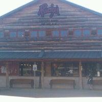 Foto tirada no(a) Rudy's Country Store & Bar-B-Q por Johnny L. em 4/21/2012