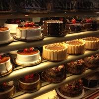 Foto scattata a Martha's Country Bakery da K@rTh!kk R. il 6/8/2012