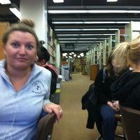 Foto diambil di Milner Library oleh Emily B. pada 4/5/2012