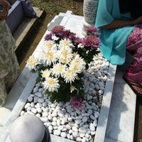 Photo taken at Tanah Perkuburan Dato Keramat (تانه ڤرقبورن داتوء كرامات) by Jaja R. on 8/20/2012