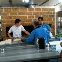 6/23/2012 tarihinde Ozgur O.ziyaretçi tarafından Dürümcü Raif Usta'de çekilen fotoğraf