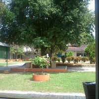 Photo taken at Fakultas Ekonomi Unsyiah by Mohammad J. on 2/21/2012