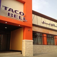 Photo taken at Taco Bell by Ahmed M. on 5/19/2012