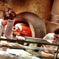 Foto scattata a Fratellino Pizzeria da Raymond L. il 6/17/2012