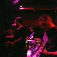 Foto tirada no(a) Buxixo Rock Bar por Mayara D. em 8/25/2012