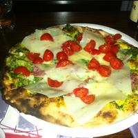 Photo taken at Matilde Pizza Bar by Thalis on 3/30/2012