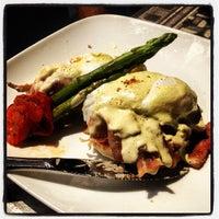 Photo taken at Gott Gourmet Café by Nicholas J. on 5/27/2012