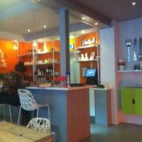 Photo taken at Appeltjes van Oranje by Gerton G. on 4/3/2012