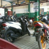 Photo taken at AHASS 2299 MATAHARI MOTOR by rahmat m. on 9/8/2012