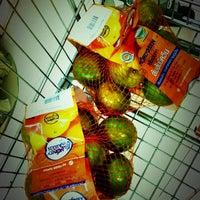 Photo taken at Rimping Supermarket by Mangnღi Nღi on 6/12/2012