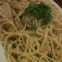 Photo taken at Amici's East Coast Pizzeria by Paula A. on 8/4/2012