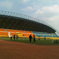 Photo taken at Stadion Gelora Sriwijaya (GSJ) by Aldo R. on 8/26/2012