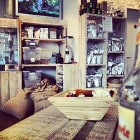 Das Foto wurde bei Wally's - Coffee & More von Sebastian T. am 2/22/2012 aufgenommen